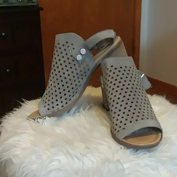 sophia milano Shoes | Sling Back Mules In Gray Size 8 Nwot ...